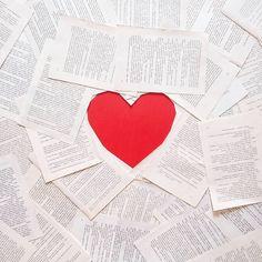 BĘDĘ NA TARGACH ❤ Czy ktoś z was również się wybiera na Warszawskie targi książki?  Ps. JUTRO MATURA  #bookaholic #bookporn #bookphotography #bookgirl #book #books #bookstagram #booklover #amazing #awesome #polishgirl #instabook #photooftheday #bookophile #bestoftheday #photooftheday #bestoftheday #read #reading #readingtime #girl #beautiful #ksiazka #książka #minimalism #heart #red #flatlay