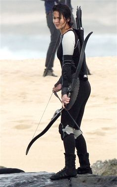 'Hunger Games' sequel photos reveal Katniss' next chapter -- and Jennifer Lawrence in a wetsuit