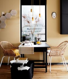 Les premières images du catalogue Ikea 2020 (édition daoût) - PLANETE DECO a homes world Catalogue Ikea, Ikea Small Spaces, Home Interior, Interior Design, Table Extensible, Ikea Hackers, Bedroom Layouts, Dream Decor, Cheap Home Decor