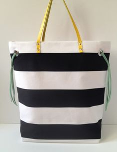 Cute tote tutorial- with some extras like grommets and leather straps