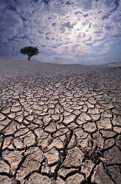 - Mikhael - глобальное потепление The clouds mimic the Earth.