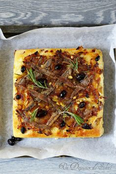Pissaladière - French onion tart from Provence Vegetable Recipes, Vegetable Pizza, Healthy Cooking, Cooking Recipes, Onion Tart, Chef's Choice, Cuisine Diverse, Seasonal Food, Potato Dishes