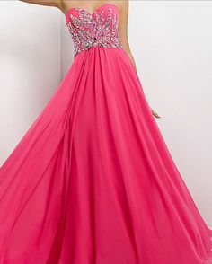 Pretty Prom Dresses- this needs to be in royal blue