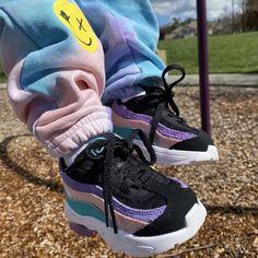 Air Max 95, Nike Air Max, Kids Sneakers, Sneakers Nike, Luxury Baby Clothes, Baby Feet, Nike Huarache, Kicks, Baby Shoes