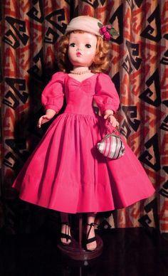 1955 20' Vintage Madame Alexander Cissy Doll #2012 #DollswithClothingAccessories
