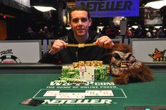 #WSOP - Hugo Pingray, vainqueur du Monster Stack  #Winamax #Poker World Series Of Poker, Vegas Shows, Christmas Ornaments, Holiday Decor, Christmas Baubles, Christmas Decor, Christmas Decorations