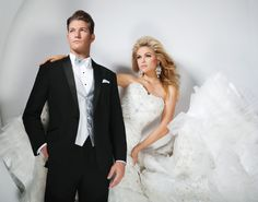 Absolutely Fitting | Orlando | Tuxedo | Wedding | Winter | White | Silver | Groom | Bride