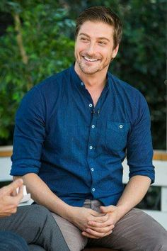 When Calls the Heart Season 4 returns to Hallmark Channel February 19, 2017 9/8c! Seasons 1 and 2 available on Netflix! - Daniel Lissing