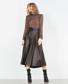 Image 1 of PRINTED BLOUSE WITH FRILLS from Zara