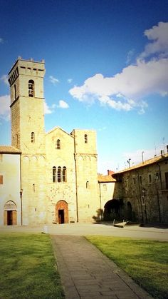 "Marianna Febbi on Twitter: ""#Amiata #Valdorcia #vino  #wine #history #mountain #renaissance #middleage Pio II ha sempre ragione http://t.co/SrNv3p5XVf"""