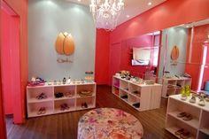 Resultados da Pesquisa de imagens do Google para http://www.carolinadanielian.com.br/blog/wp-content/gallery/atelier-k-dan-flat-shoes-2011/mhm_3137.jpg