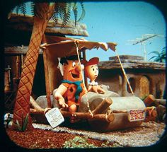 FLINTSTONES Viewmaster slides I loved looking at the flint stones in my view master, seemed the were so close by! School Memories, My Childhood Memories, Sweet Memories, Funny Cartoon Pictures, Cartoon Photo, 3d Cartoon, Retro Toys, Vintage Toys, 1960s Toys
