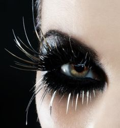 Heavy black #dramatic #eye #makeup #lashes #halloween