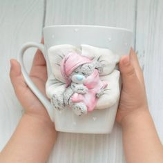 1 million+ Stunning Free Images to Use Anywhere Polymer Clay Figures, Cute Polymer Clay, Fimo Clay, Polymer Clay Charms, Polymer Clay Projects, Clay Crafts, Diy And Crafts, Clay Cup, Mug Art