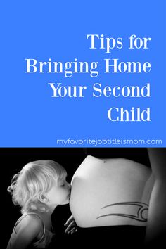Bringing home a second baby will result in a learning curve for the entire family. These tips help make the transition smoother. Second Baby, Second Child, First Baby, Pregnancy First Trimester, Pregnancy Workout, Second Trimester, Parenting Humor, Parenting Advice, Funny Babies