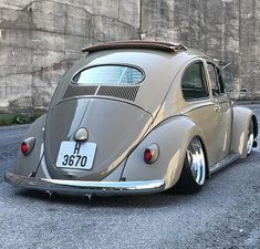 10 Fernando Alves On Boa Tarde Ideas Beetle Bug, Vw Beetles, Volkswagon Van, Vw Volkswagen, Vw R32, 87 Chevy Truck, Rodan And Fields Reverse, Vw Vintage, Beige Color