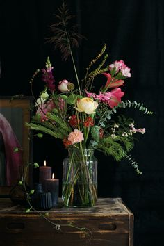 de flores Türchen - Christmasthreee Adventskalender Win flowers and bouquets by bloomon subscription with a free vase