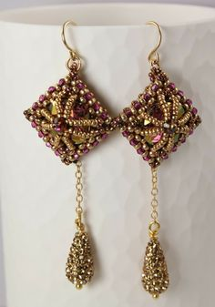MadDesigns - If you ever get the chance to take a class from Marcia DeCoster, do it! She is a wonderful teacher :) Seed Bead Jewelry, Beaded Jewelry, Handmade Jewelry, Seed Beads, Long Tassel Earrings, Bead Earrings, Beads And Wire, How To Make Beads, Designer Earrings