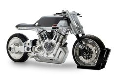 Auf der kleinen New York Motorcycle Show wird sich am Wochenende vom 9. bis 11. Dezember eine völlig neue Motorradmarke vorstellen. Sie nennt sich Vanguard und hat einen (noch) gleichnamigen Roadster dabei. Ein Metallgebirge im Stil der Confederate Bikes, das im Wortsinn aus dem Rahmen fällt