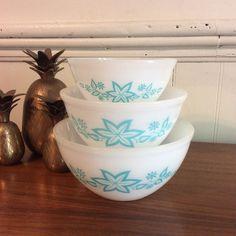 Agee Crown Pyrex Star Fruit Bowl Set Rare HTF