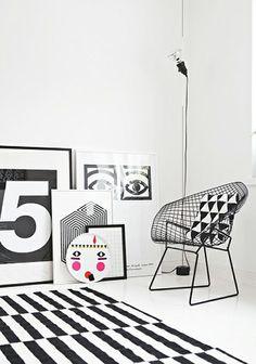 Binnenkijken in een zwart-wit appartement in Helsinki / www.woonblog.be
