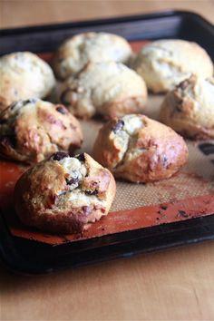 Crumbs and Cookies: sweet banana and chocolate chip scones. Tea Biscuits, Scones, Doughnut, Donuts, Muffin, Rolls, Banana, Cookies, Chocolate