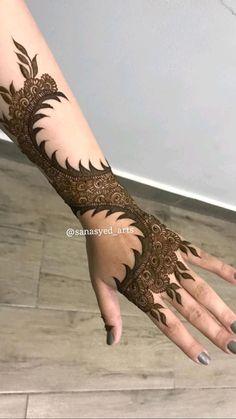 Circle Mehndi Designs, Pretty Henna Designs, Rose Mehndi Designs, Legs Mehndi Design, Stylish Mehndi Designs, Latest Bridal Mehndi Designs, Mehndi Designs 2018, Henna Art Designs, Mehndi Designs For Girls