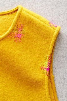 Learn how to mend clothing with sewing supplies and a few basic stitches. Step-by-step, we show how to patch a hole, mend a seam, or fix a hem. Sewing Basics, Sewing Hacks, Sewing Crafts, Sewing Projects, Sashiko Embroidery, Embroidery Stitches, British Clothing Brands, Visible Mending, Make Do And Mend