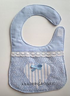 bavaglino neonato fai da te bimbo My Bebe, Bebe Baby, Baby Sewing Projects, Sewing For Kids, Baby Knitting, Crochet Baby, Baby Bib Tutorial, Baby Bibs Patterns, Adult Bibs