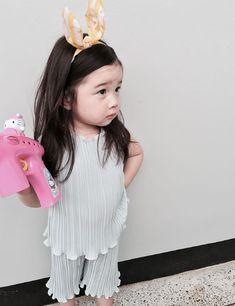 Korean Baby Fashion Girl Most Popular Ideas Cute Little Baby, Cute Baby Girl, Little Babies, Cute Babies, Korean Babies, Asian Babies, Cute Baby Pictures, Baby Photos, Baby Girl Fashion