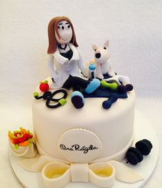 Bolo nutricionista, Cake , Cake Dog , Cake frutas , bolo decorado em pasta americana .