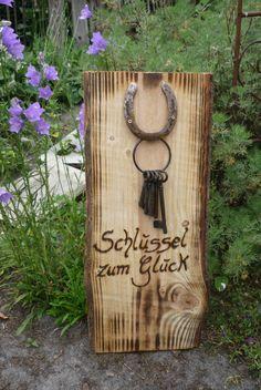 Ein romantisches Geschenk für eine Hochzeit... für einen Ruheständler.... oder einfach eine nette Geschenkidee für einen lieben Menschen,dem man Glück wünscht.  Ein Hufeisen  mit 5 Schlüsseln...