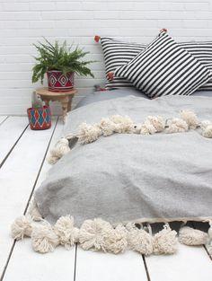 Super Tassel Blanket, Grey #category:blankets #colour:blue #group:blankets