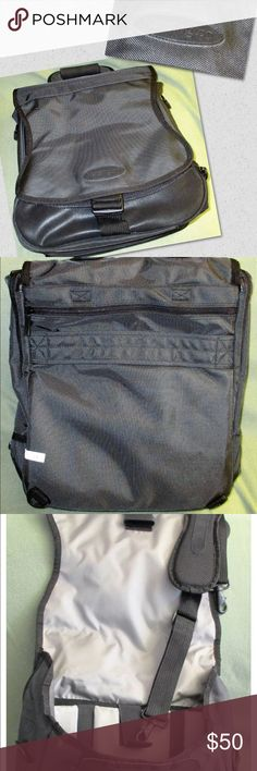 The Kensington 62210 SaddleBag Pro NWOT NWOTKensington 62210 SaddleBag Pro has four carrying options to fit any traveling style, and can be converted into a backpack. The bag expands to carry more of everything,  two compartments,Junk-It drawer for easy access to power cords, pens and other essentials. Fits notebooks 15-inches or smaller,computer sleeve that stretches for perfect-fit drop protection manufacturers limited lifetime warranty.weighs3.57pounds,exterior dimensions 13 x 6 x 16…
