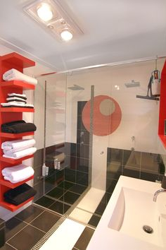 A compact, sustainable artwork you can live in! Port Macquarie, Corner Bathtub, Home Art, Compact, House Plans, This Is Us, In This Moment, Colour, How To Plan