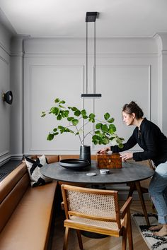 Pierre Jeanneret, Circa Lighting, Victorian Townhouse, Condo Living, Home And Living, Living Room, Riverside House, Townhouse Designs, Paris Home
