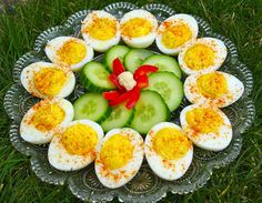 Devilled eggs are a wonderful addition to a buffet table, appetizer selection, or served along with salads, cold cuts, buns and cheese. I make mine extra spicy! Party Food Buffet, Appetizer Buffet, Buffet Food Ideas Cold, Finger Buffet Food Ideas, Catering Buffet, Catering Display, Catering Food, Appetizer Recipes, Salad Buffet