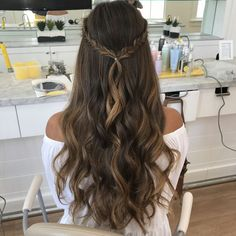 These easy hairstyles are fabulous. These easy hairstyles are fabulous. These easy hairstyles are fabulous. Dance Hairstyles, Pretty Hairstyles, Simple Prom Hairstyles, Wedding Hairstyles, Prom Hairstyles Down, Hairstyle Ideas, Graduation Hairstyles Half Up Half Down, Braids Long Hair, Prom Hairstyles For Long Hair Half Up