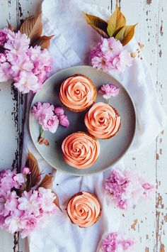 Strawberry Lime Cupcakes and the most gorgeous food photography via Hint of Vanilla   Cupcake Recipes, Cupcake Cakes, Dessert Recipes, Gourmet Cupcakes, Baking Desserts, Health Desserts, Cupcake Toppers, Baking Recipes, Lime Cupcakes
