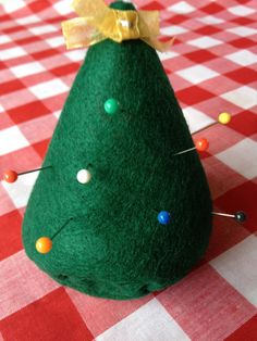 Make your own felt #pincushion. From Make Bake & Sew.#sewing #christmas