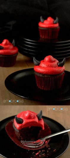 """halloweencrafts: """" DIY Devil's Food Devil Cupcake Recipe from Ambrosia. The horns are made out of black fondant and there is also a recommendation for a no-taste red food coloring. I love this site..."""