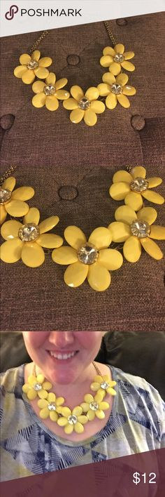 Statement yellow flower daisy necklace Statement yellow flower daisy necklace with rhinestone centers. Stunning! Jewelry Necklaces