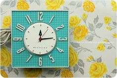 kitschy retro clock - love the color combo of yellow and turquoise Vintage Colors, Retro Vintage, Vintage Kitchen, Red Kitchen, Kitsch, Color Combos, Color Schemes, Radios, Retro Clock