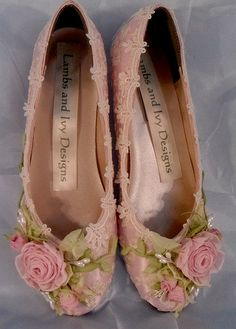 Vintage lace covered ballet flats with ribbonworj roses Pink Wedding Shoes, Wedding Boots, Lace Ballet Flats, Pointe Shoes, Fairy Shoes, Pretty Ballerinas, High Leather Boots, Flower Shoes, Shoe Art