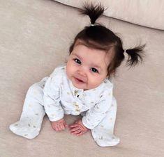 ❀∘mzcocogirl❀∘ - ❀∘B a b i e s❀∘ - Bebe Cute Little Baby, Lil Baby, Baby Kind, Cute Baby Girl, Little Babies, Cute Babies, Baby Gap, Baby Girl Hairstyles, Foto Baby