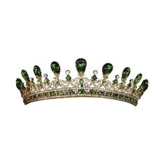 Emerald Tiara of Queen Victoria (England) ❤ liked on Polyvore featuring crowns, jewelry, tiaras, accessories, hair accessories, circle, circular and round