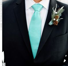 Love the Pine-cone and pine in this, and so would the Groom