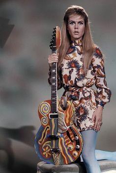 Elizabeth Montgomery with Vox Apollo, 1968