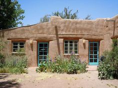 Here's an updated adobe home in Mesilla, NM. by Katorina, via Flickr