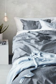 Linen-blend duvet cover set - Dark blue/Narrow striped - Home All | H&M CA 1